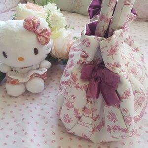 Hello Kitty Questina Satin Victorian Purse satchel